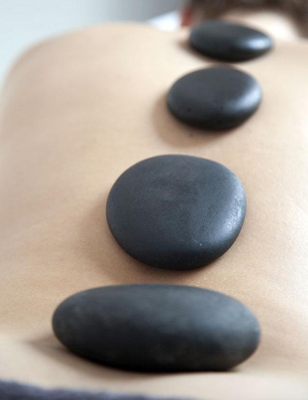 Riverside Ki, hotstone behandeling, hotstone massage, ontspanningsmassage